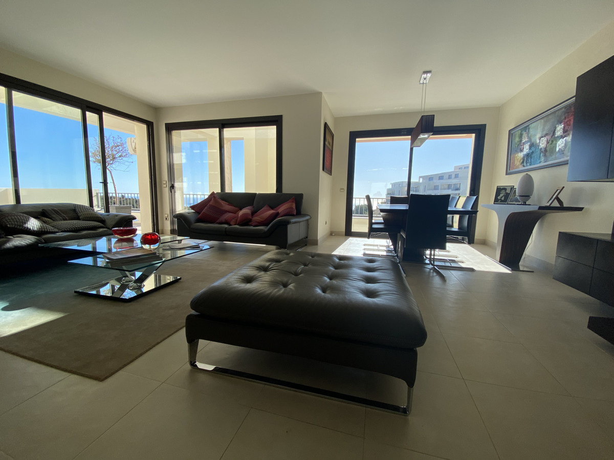 Appartement  Penthouse 																					en location 																			 à Altos de los Monteros