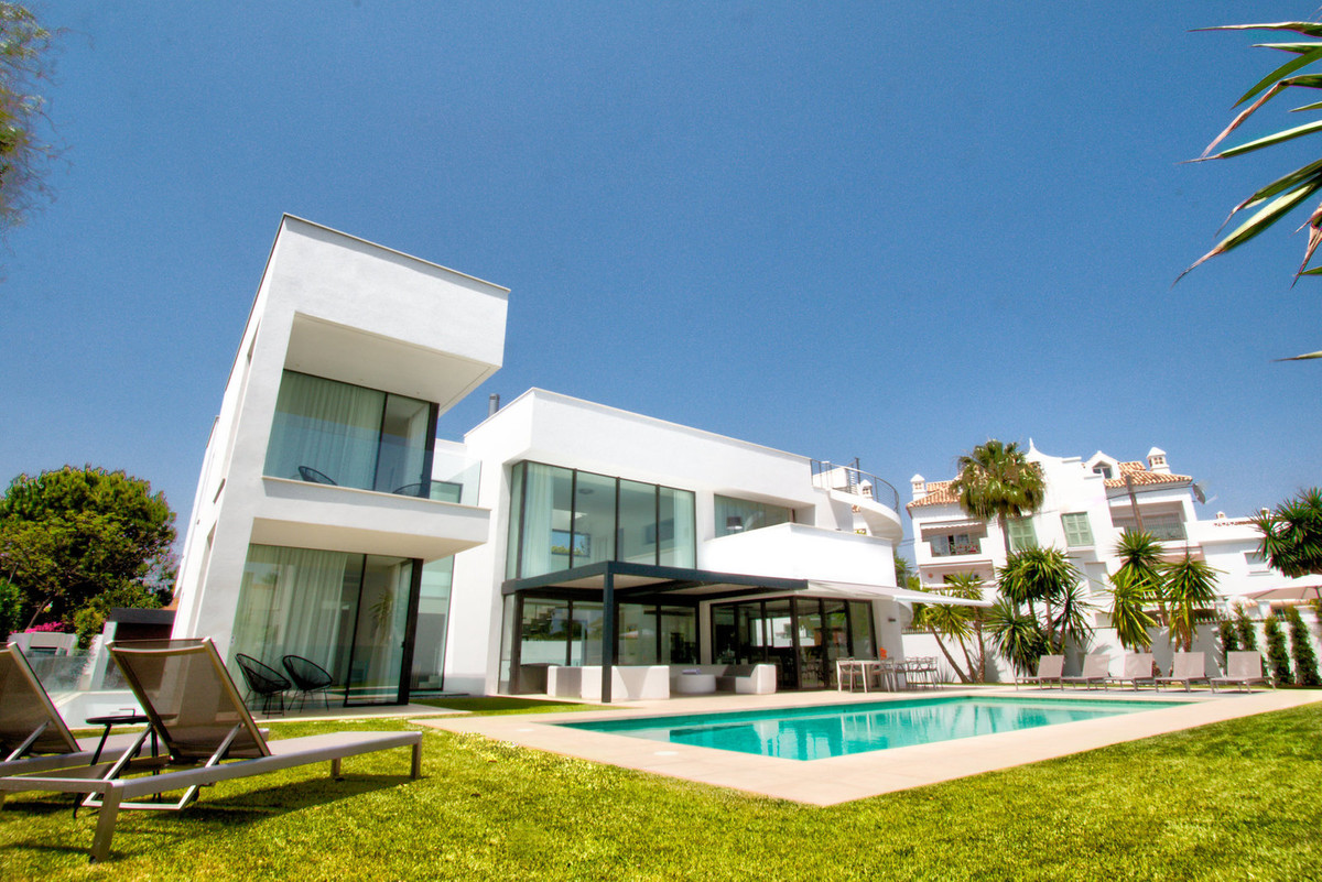 Detached Villa · Puerto Banús