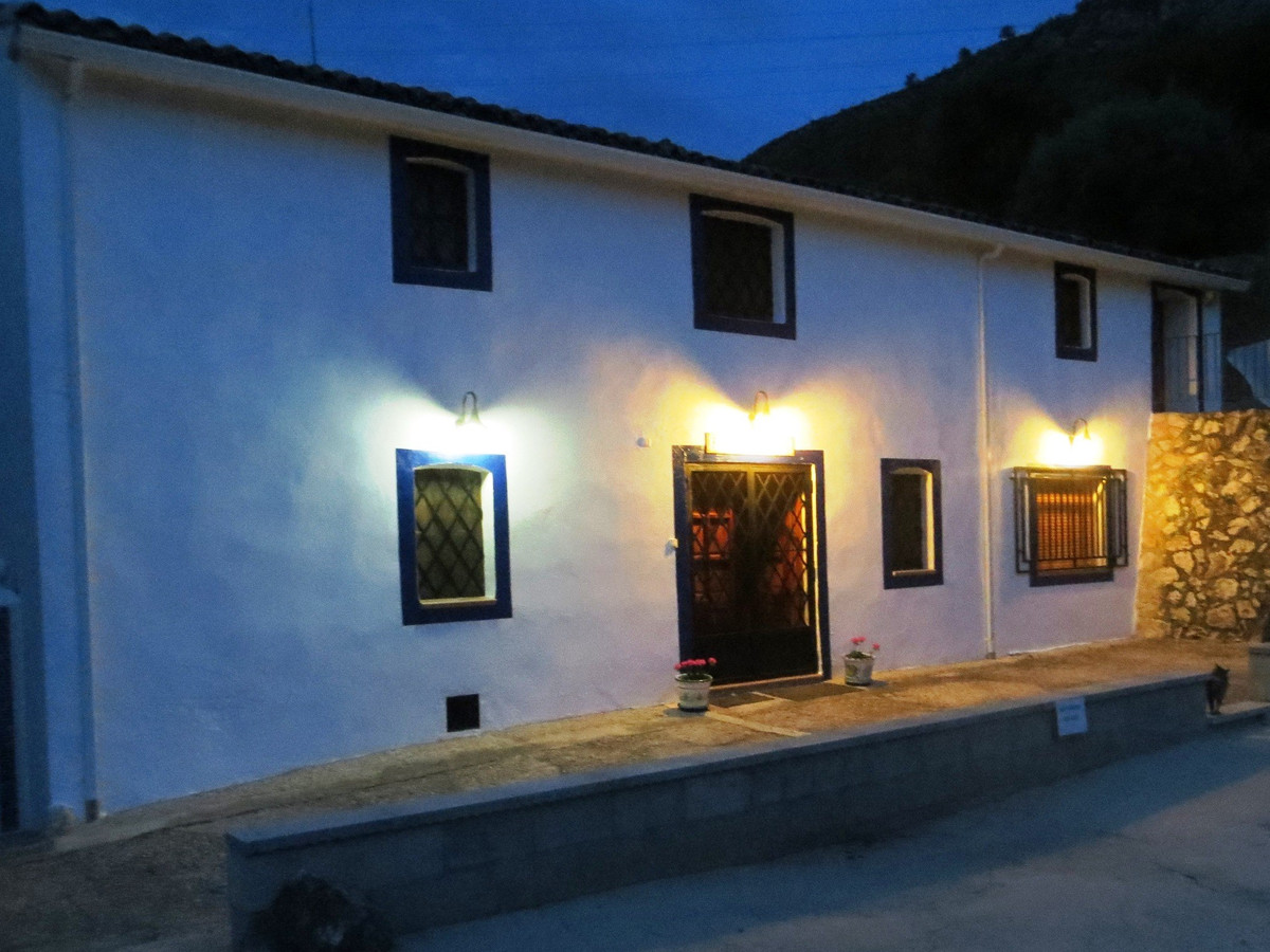 Finca Pou Clar -   The house has its roots as a coaching stop between the medieval towns of Bocairen, Spain