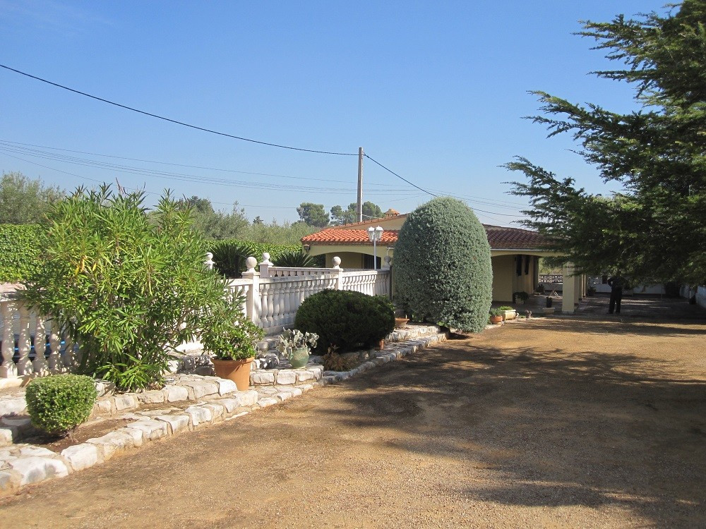 On a very nice, private  and quiet location, at a 5min drive from town, we find this country house o,Spain