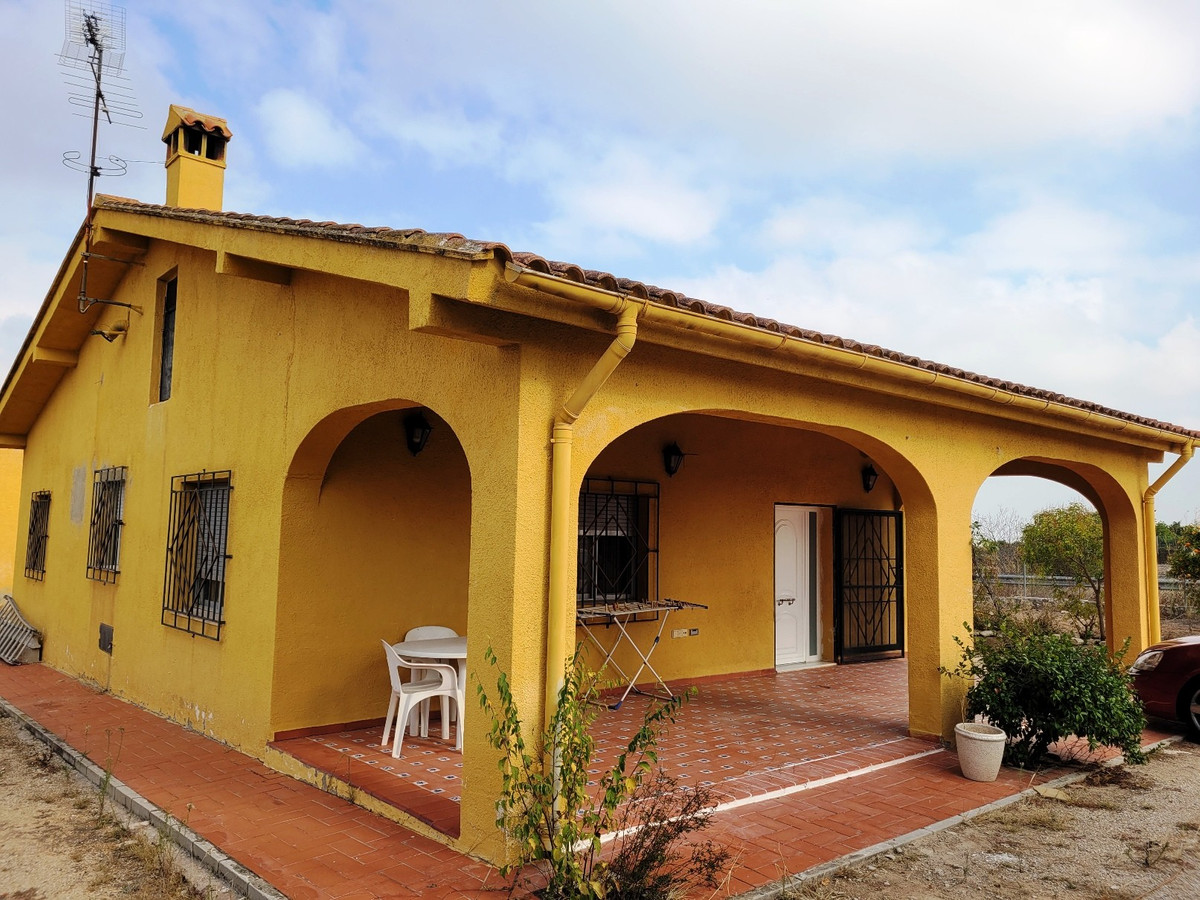 This property offers 2 houses on 1 plot. Total build of 228m2 on a plot of 6.174m2 with your own per,Spain