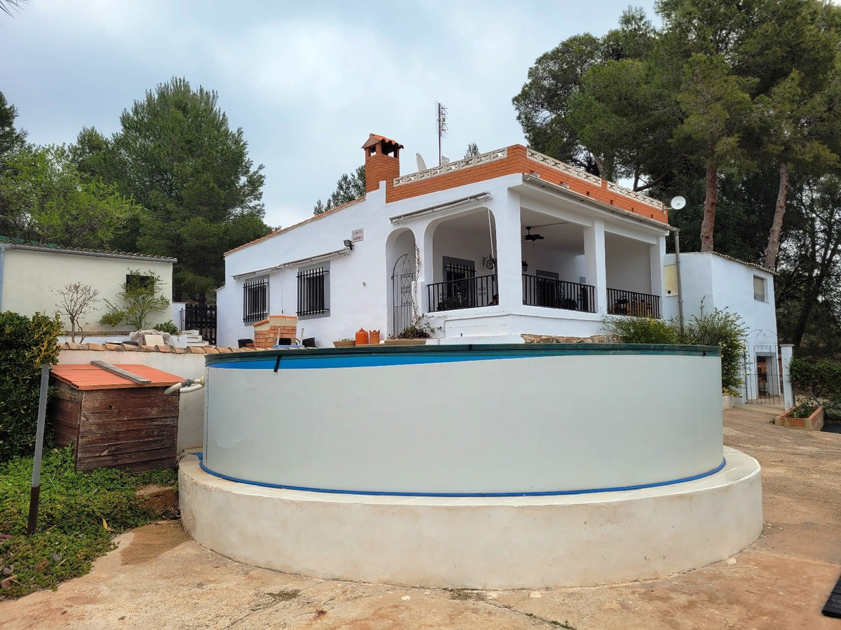 At the end of a road, very close to the mountains and with spectacular views, we find this 140m2 bui,Spain