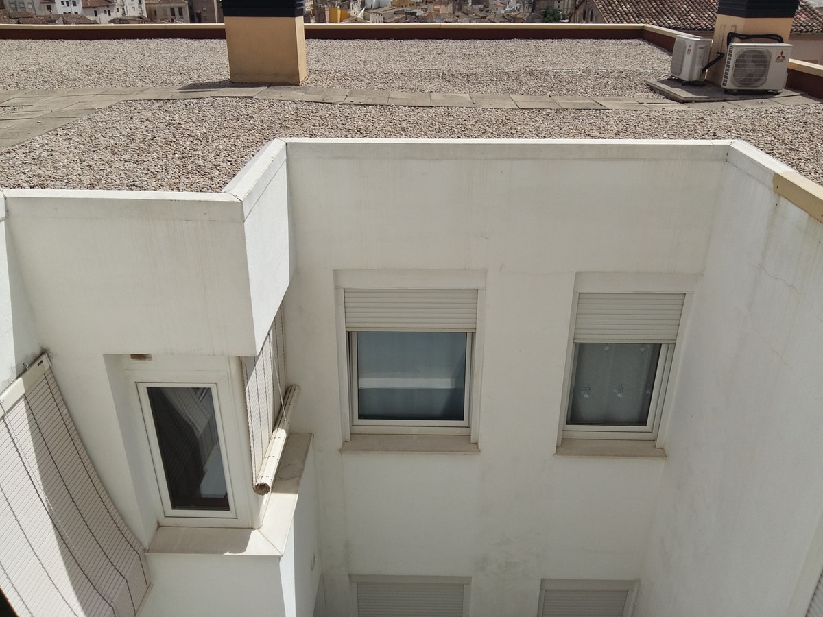 Modern flat built in 2008 in San Rafael, Ontinyent. On the second and top floor with lift this large, Spain