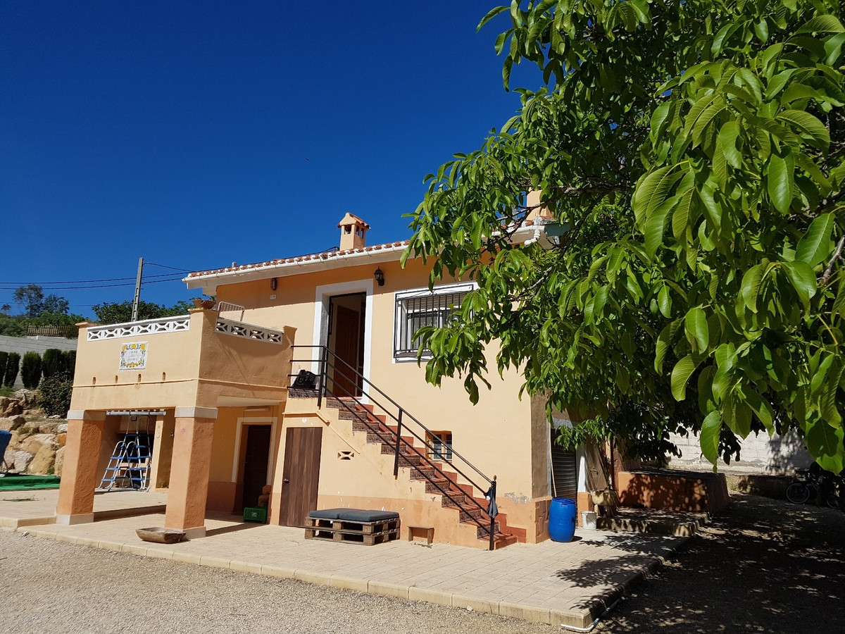Little villa of 68m2 with open plan lounge, kitchen with shower room and 2/3 bedrooms. Presently onl, Spain