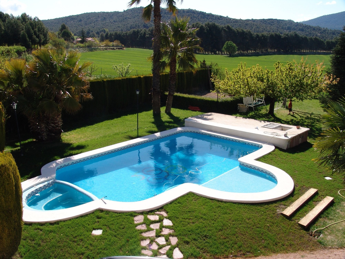 Impressive 6 bedroom country villa for sale near Alcoy, Alicante Province. A spacious property of 24, Spain