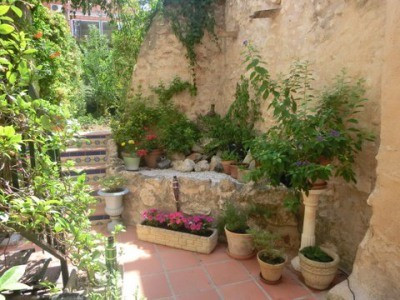 Lovely newly reformed townhouse in Lorcha with garden. Built on two floors with a roof terrace addinSpain