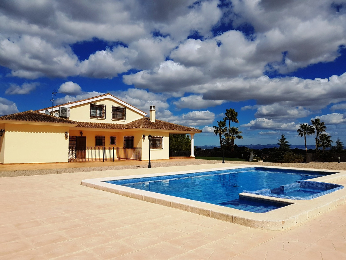Stunning villa of 580m2 on a fenced plot of 6042m2  for sale in Ontinyent. Walking distance to San R, Spain