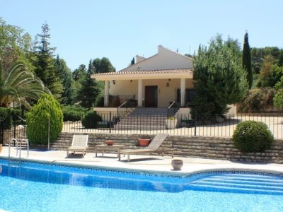 A very attractive property of 206m2 on a gated and fenced plot of 3.907m2. Quiet location, good acce, Spain