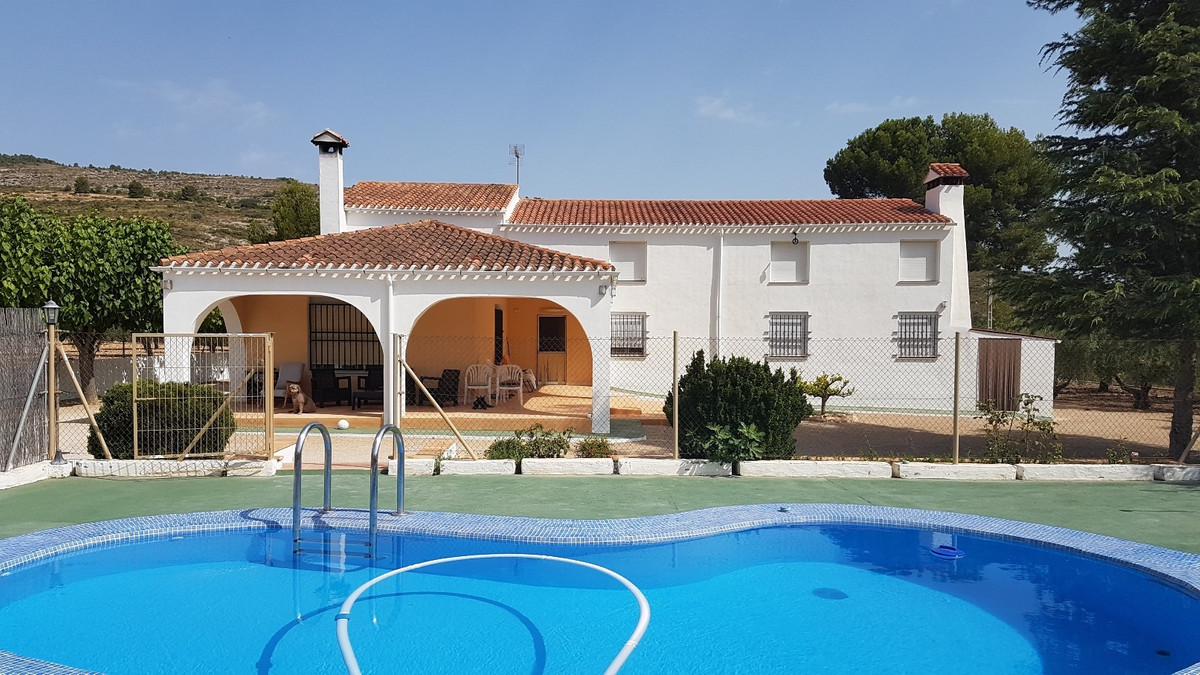 Beautiful, fenced and gated finca of 310m2 build on a plot of 4.236m2.  Partly renovated and with it,Spain