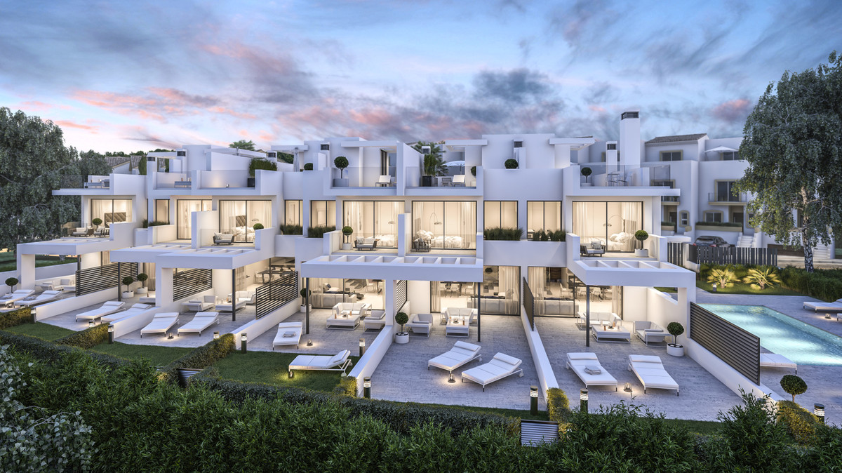 Townhouses for sale in Estepona MCO3393286