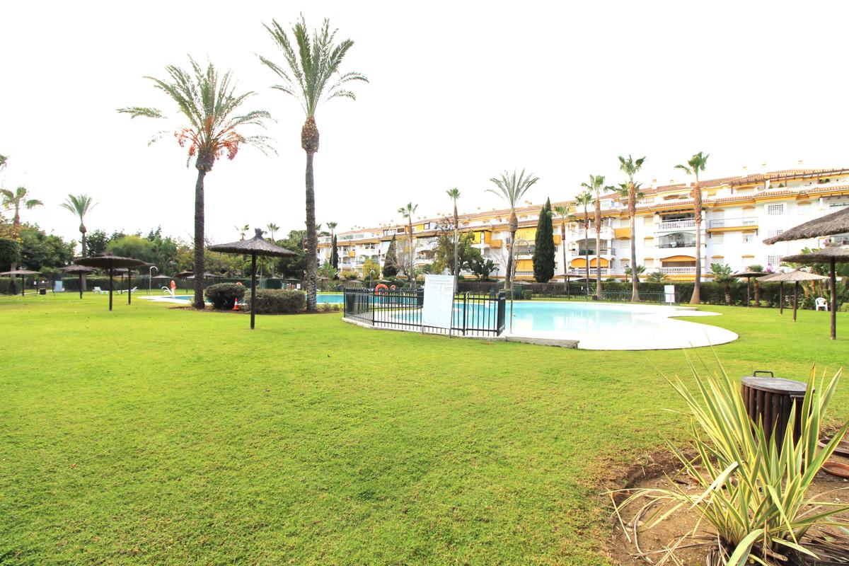 Marbella Banus Apartamento Planta Media en Venta en Nueva Andalucía – R3568387