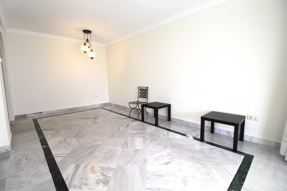 Apartamento en Venta en Nueva Andalucía – R3568387