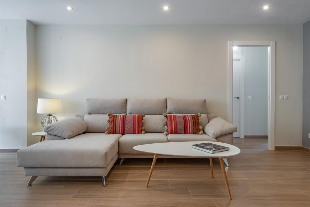 Apartamento Planta Media en Venta en Marbella – R3539842