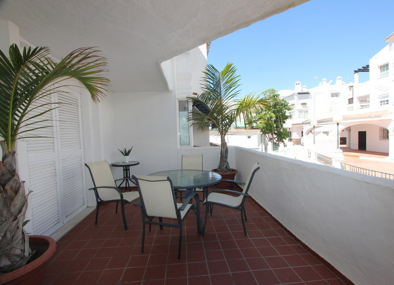 Beautiful apartment in Puerto Marina, in a quiet area, totally renovated with high quality materials,Spain