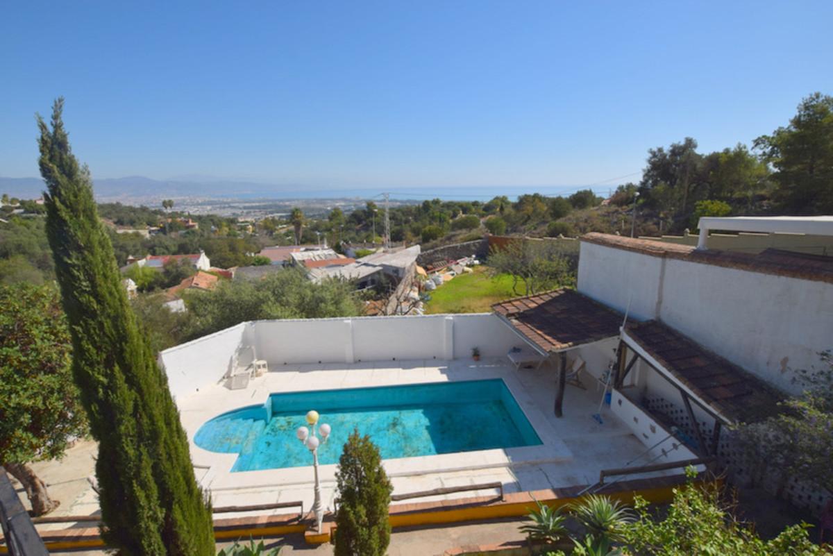 Detached Villa, Churriana, Malaga Ciudad. 5 Bedrooms, 2 Bathrooms, Built 450 m², Garden/Plo,Spain