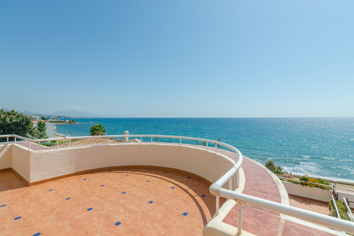 Ref:R3555226 Penthouse For Sale in Estepona