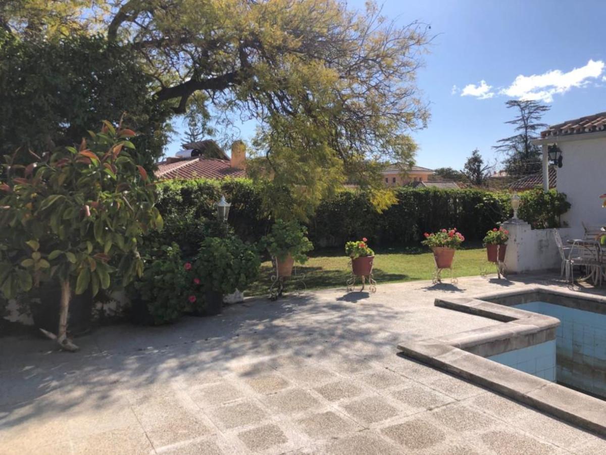 Marbella Banus Villa en Venta en San Pedro de Alcántara – R3623348