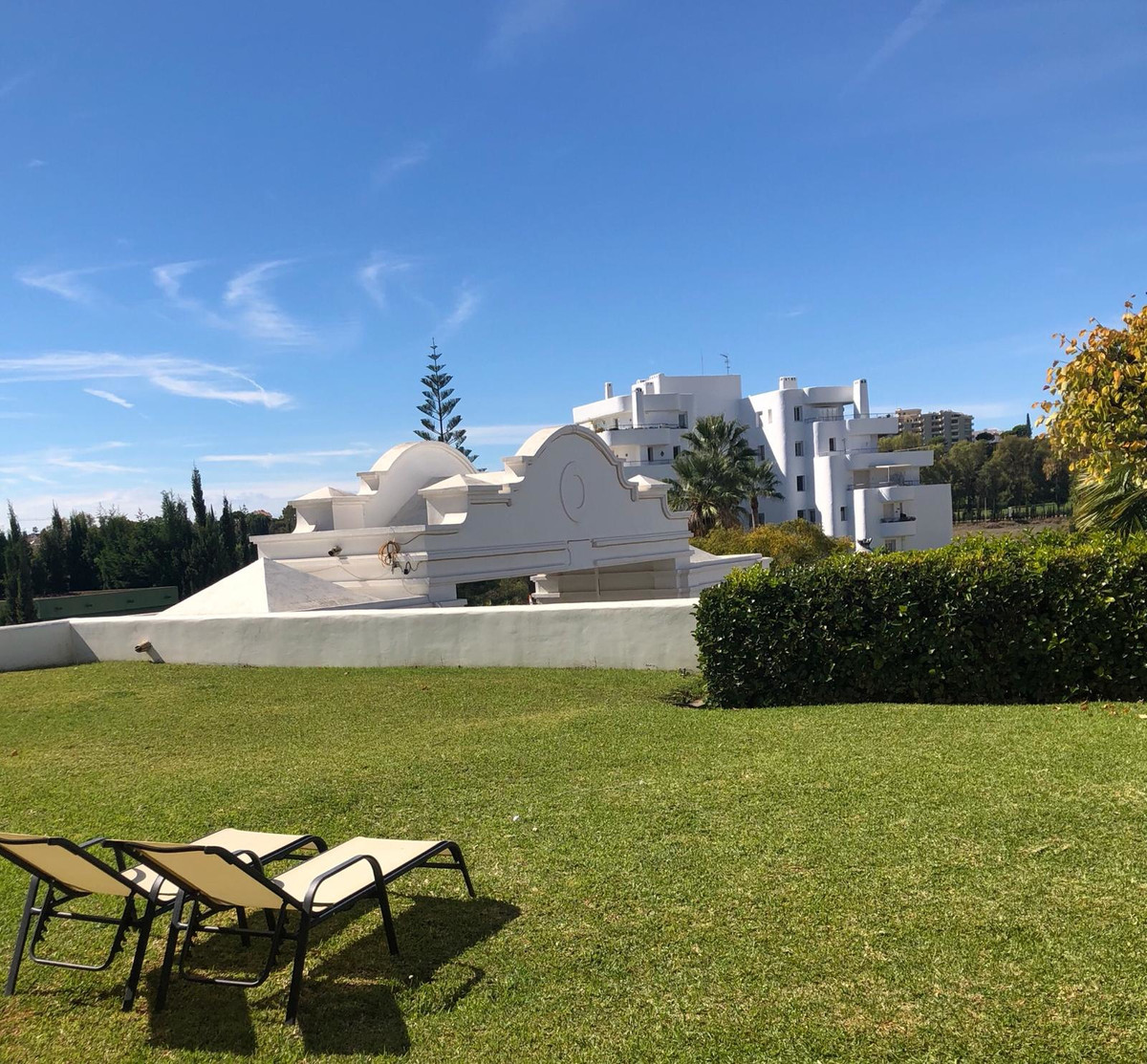 Beautiful newly renovated apartment available for sale!  Located in a quiet area, close to the golf , Spain