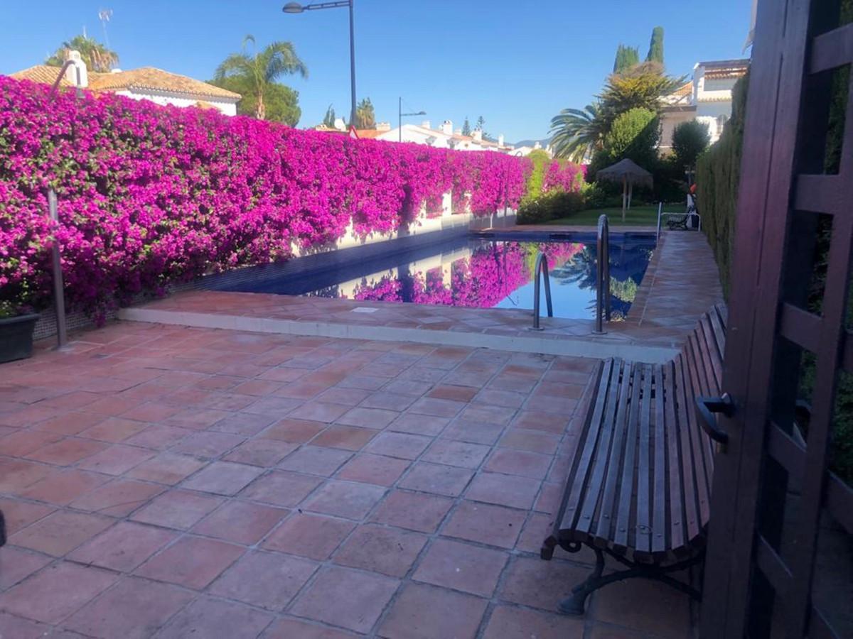 Marbella Banus Apartamento en Venta en San Pedro de Alcántara – R3455998