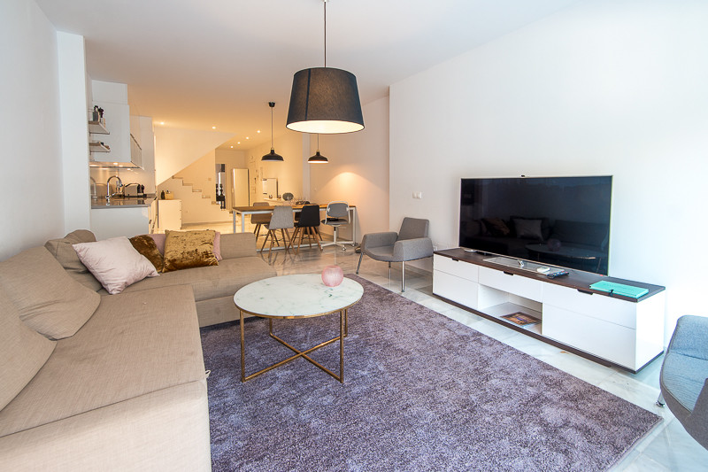 Duplex apartment recently renovated just a few steps from the beach.  The apartment is distributed o,Spain