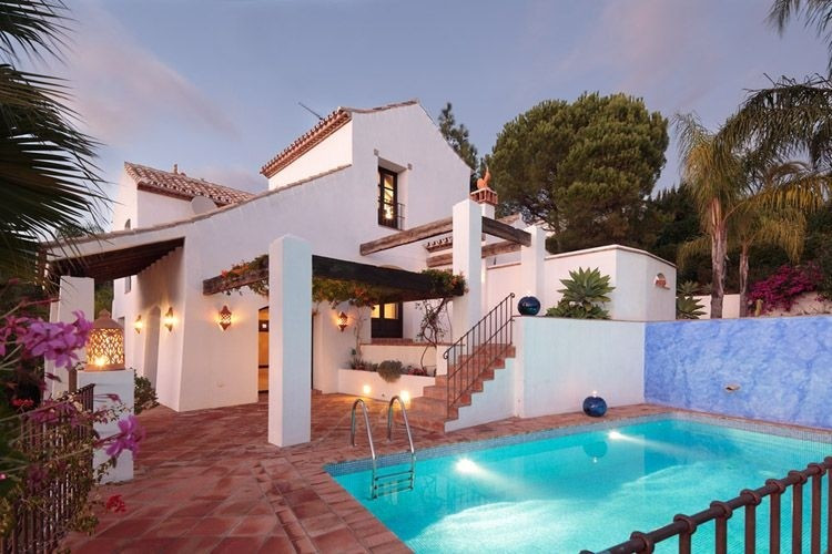 This beautiful villa is located in El Madronal, one of the most discrete and elegant enclaves in Mar,Spain