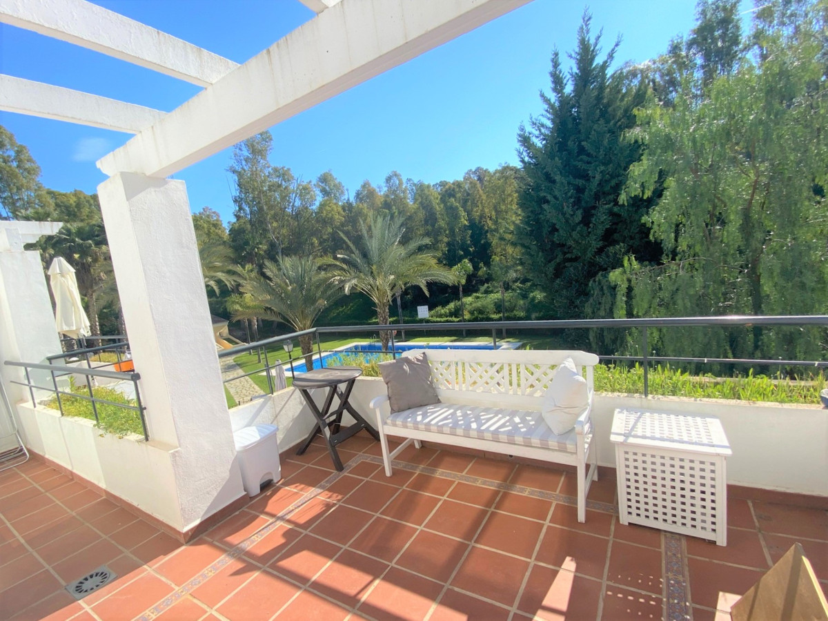 Marbella Banus Apartamento en Planta Última en Venta en Nueva Andalucía – R2255882