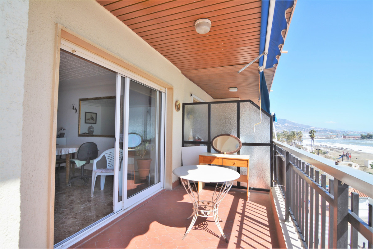 Middle Floor Apartment for sale in Fuengirola R3664103