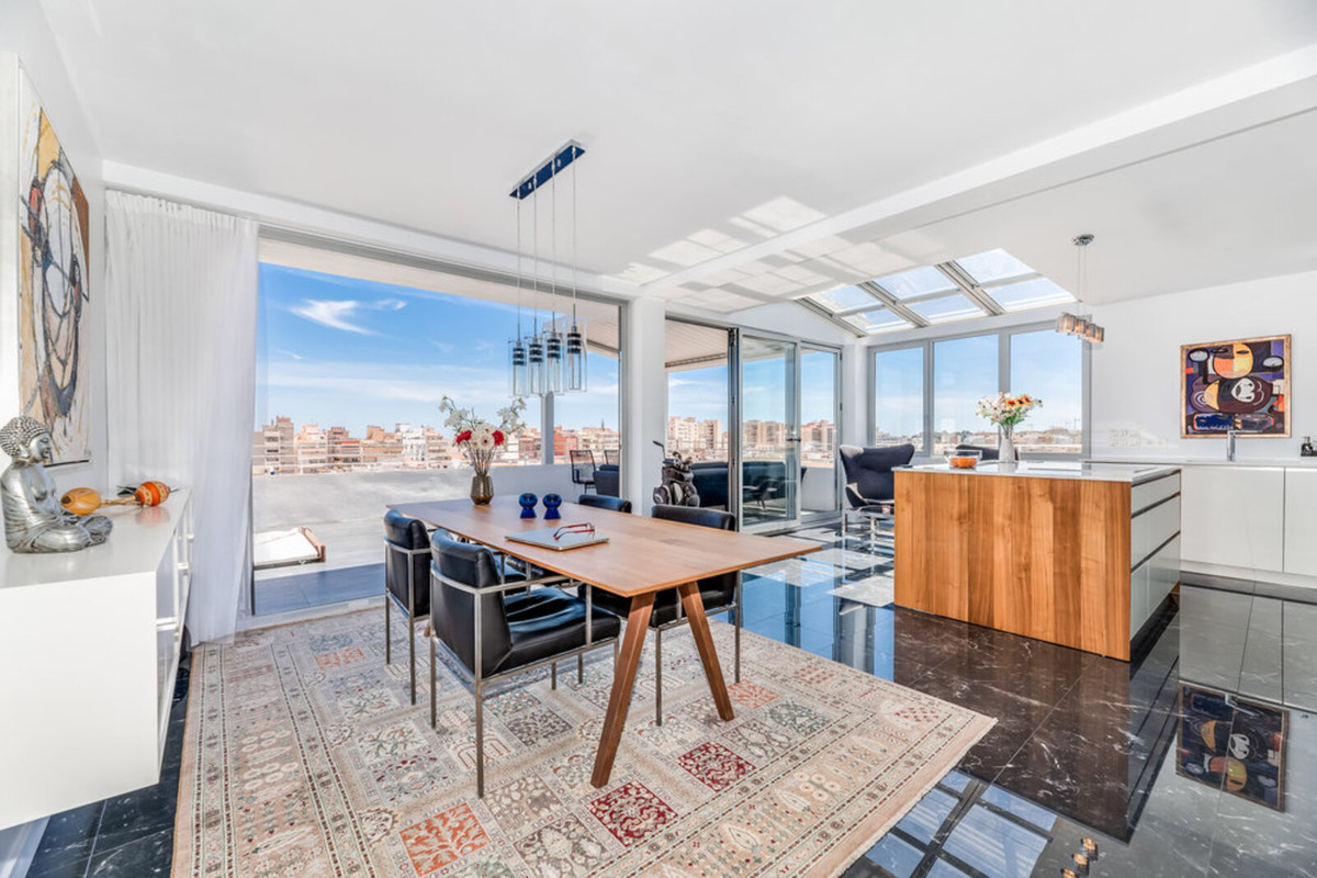 This is a unique and completely reformed high-quality Penthouse apartment in one of the best and mos,Spain