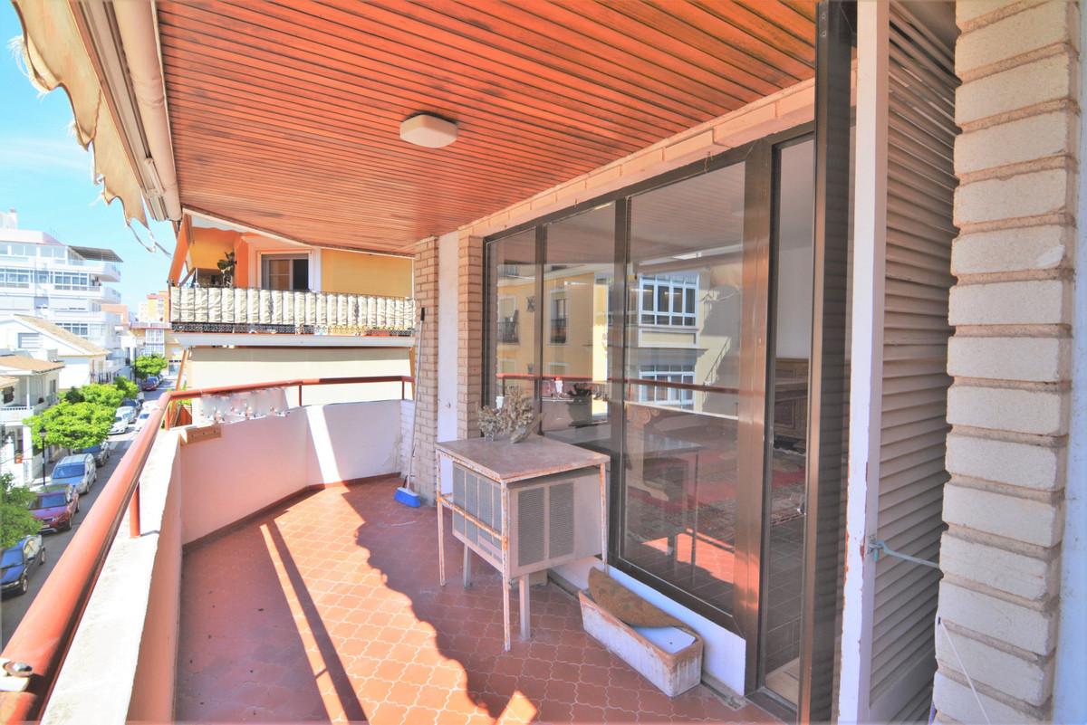 Apartamento Planta Media en venta en Fuengirola R3826954