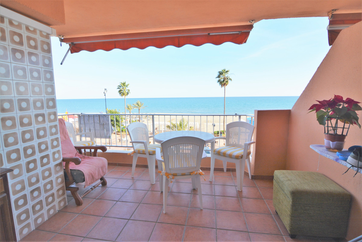 Apartment facing the sea, in an unbeatable area, in the center of Los Boliches. Beautiful views of t, Spain