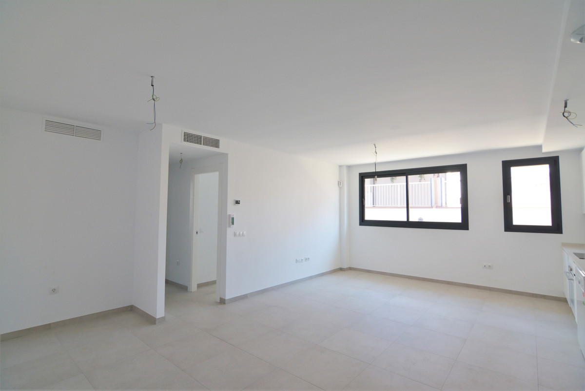 We present you this beautiful brand new apartment in Los Boliches, Fuengirola. It is located in a ve,Spain