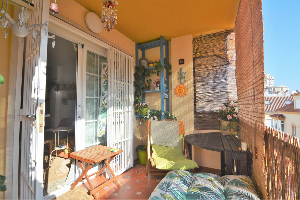 We present you this beautiful home in the best area of ??Fuengirola, right in the center and on the ,Spain