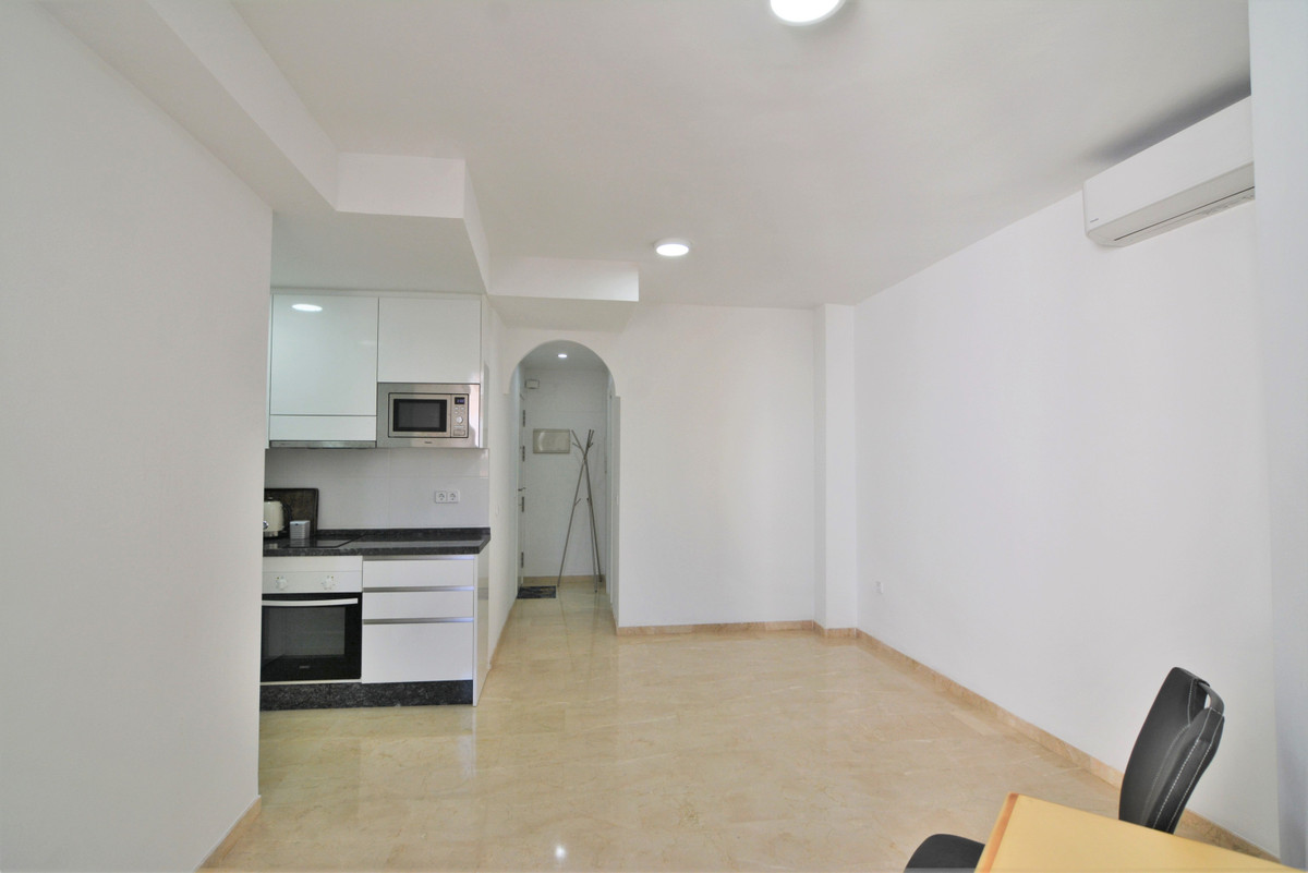 Here we present this beautiful apartment on the third line of the beach,  building from 2004  The ap,Spain