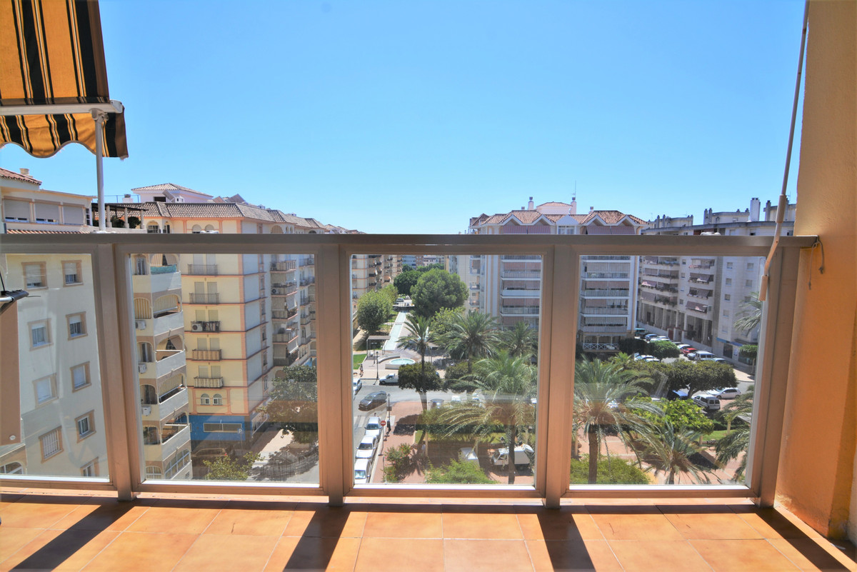 Middle Floor Apartment for sale in Fuengirola R3685358