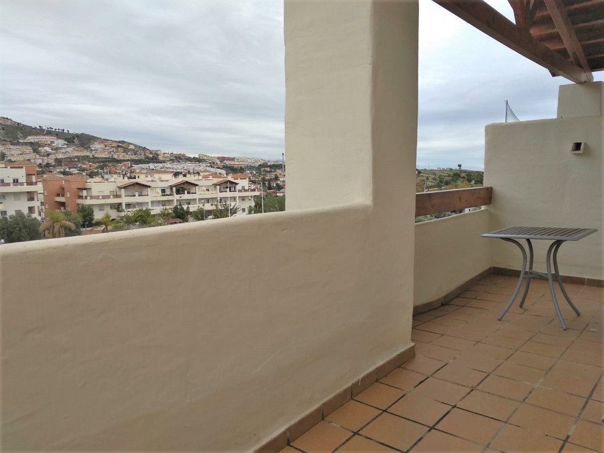 Beautiful apartment for sale on the top floor. The apartment consists of entrance, kitchen. Large li,Spain