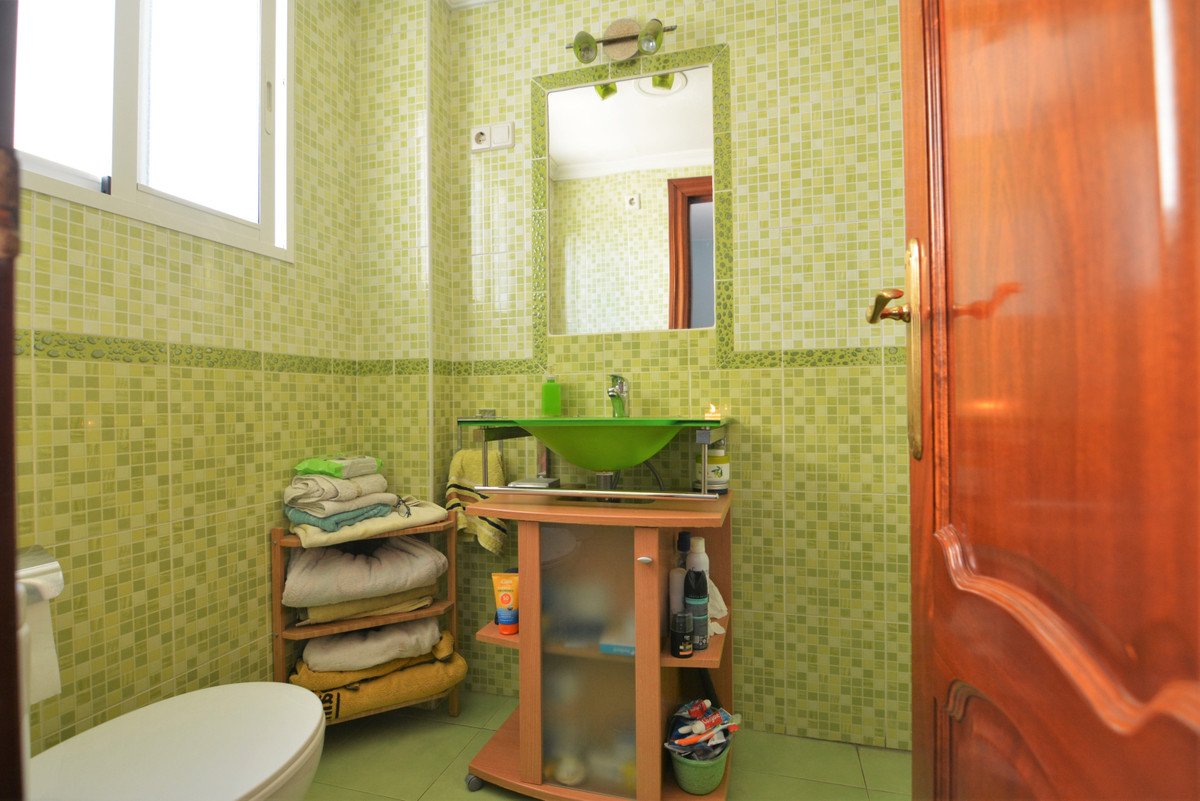 3 Bedroom Middle Floor Apartment For Sale Los Boliches