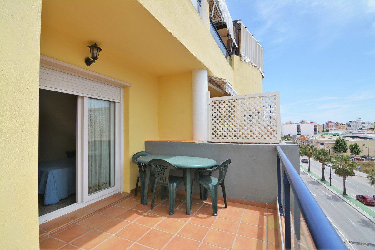 Middle Floor Apartment for sale in Fuengirola R3875641