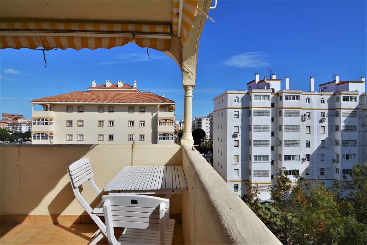Very spacious and bright apartment in the notorius Plaza De La Hispanidad.  3 bedrooms 2 bathrooms. ,Spain