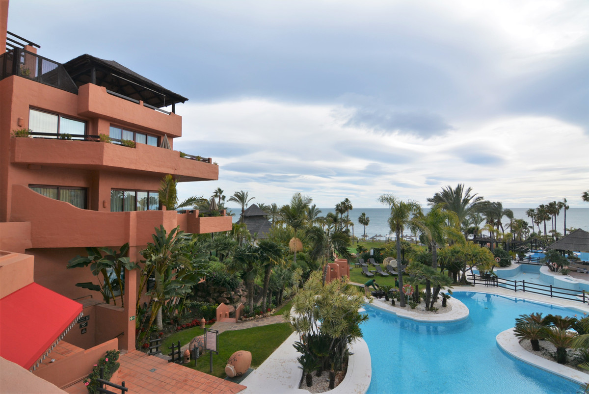 Magnificent studio for sale located in the 5 Star Hotel Kempinski. Orientation West, first line of b,Spain