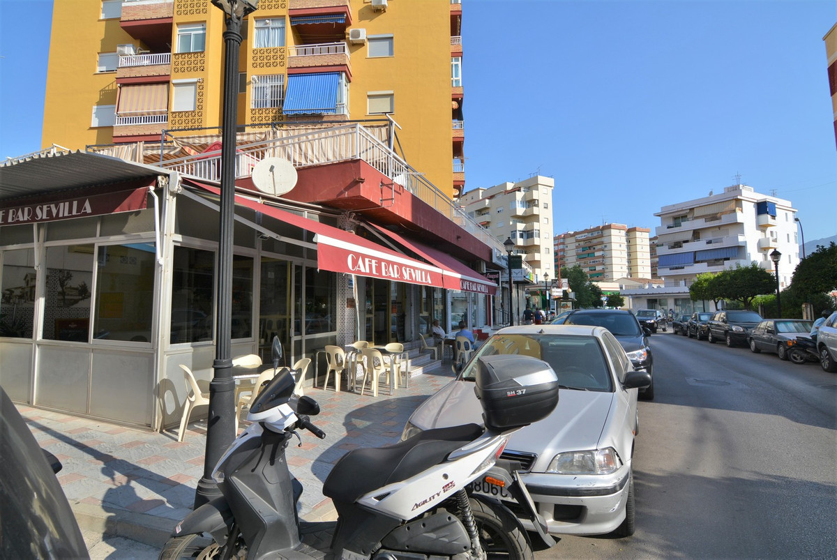 For sale restaurant bar full domain. spacious restaurant-bar for sale in the center of Fuengirola. T, Spain