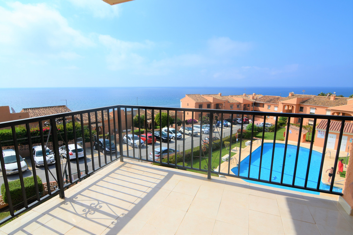 Apartment last floor with spectacular unobstructed views of the sea and the lighthouse with SOUTH-WE,Spain