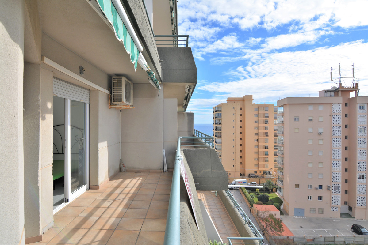Middle Floor Apartment for sale in Fuengirola R3772735