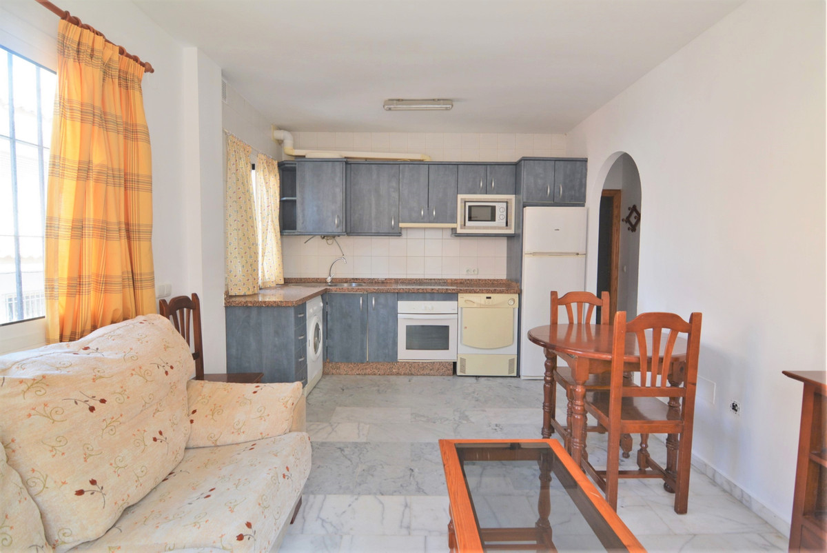 Nice apartment for sale in the lower part of LAS LAGUNAS, near the hospital. Good area, close to all,Spain