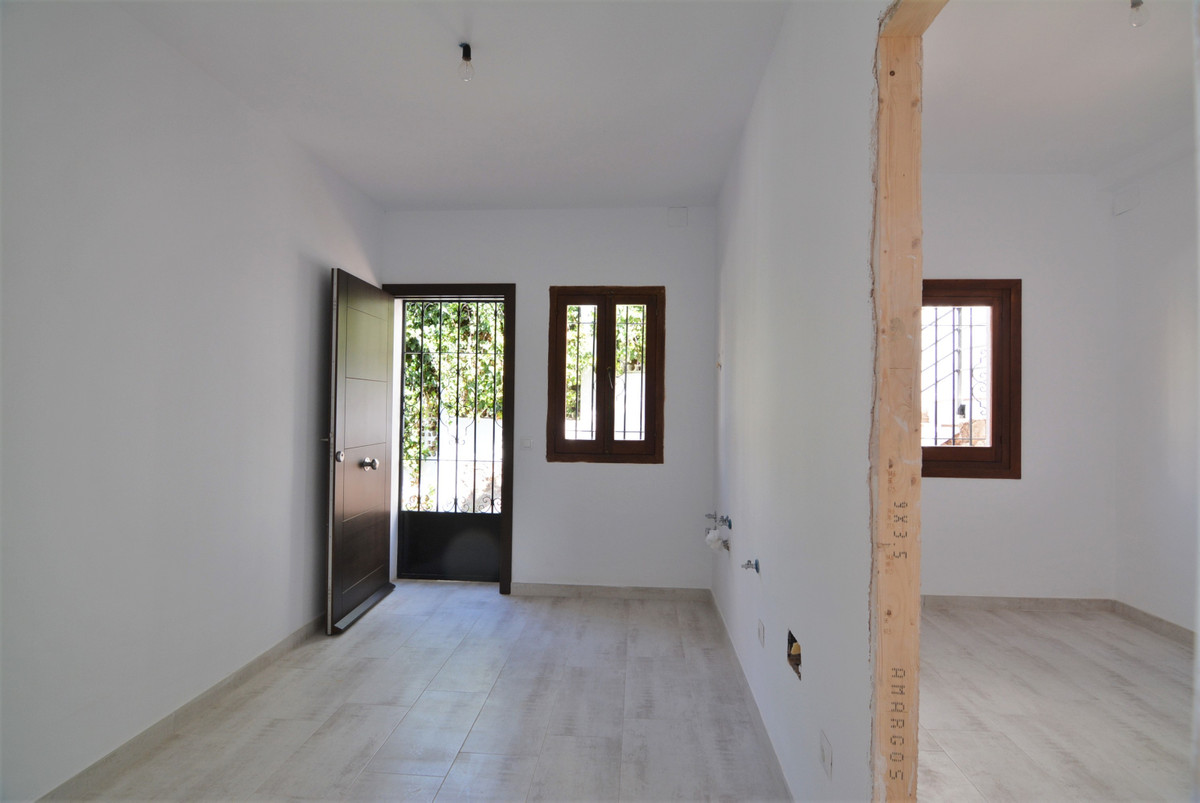 Villa Detached Fuengirola Málaga Costa del Sol R3424471 10
