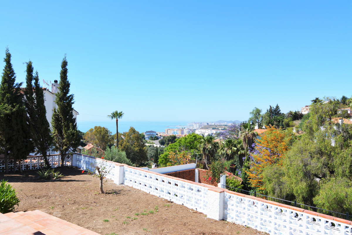 Villa Detached Fuengirola Málaga Costa del Sol R3424471 2