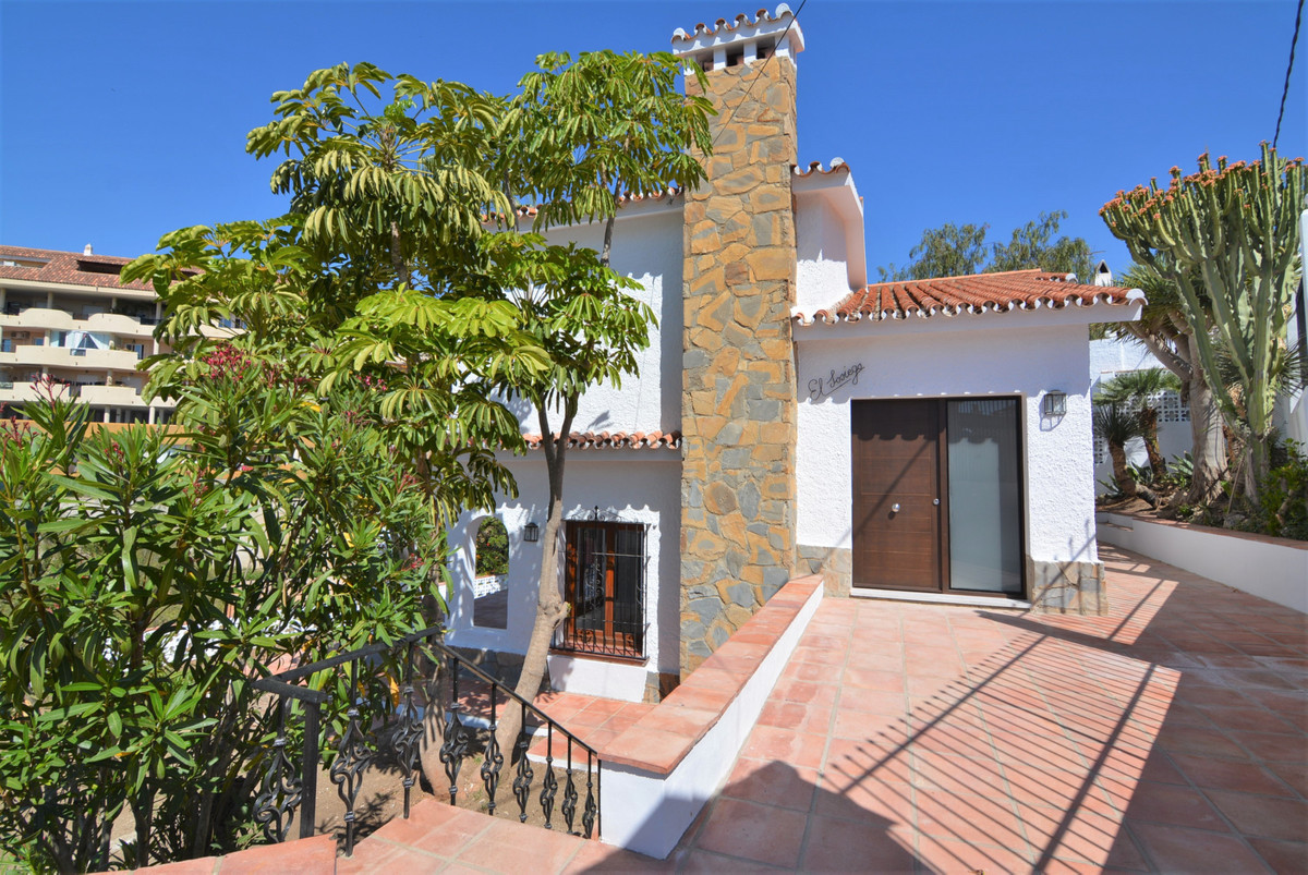 Villa Detached Fuengirola Málaga Costa del Sol R3424471 3