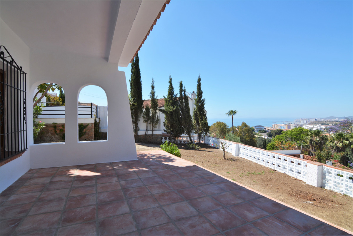 Villa Detached Fuengirola Málaga Costa del Sol R3424471 4