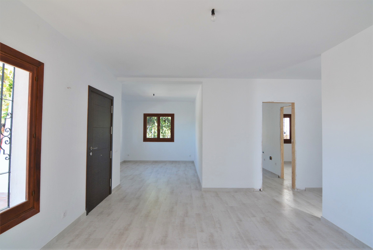 Villa Detached Fuengirola Málaga Costa del Sol R3424471 5