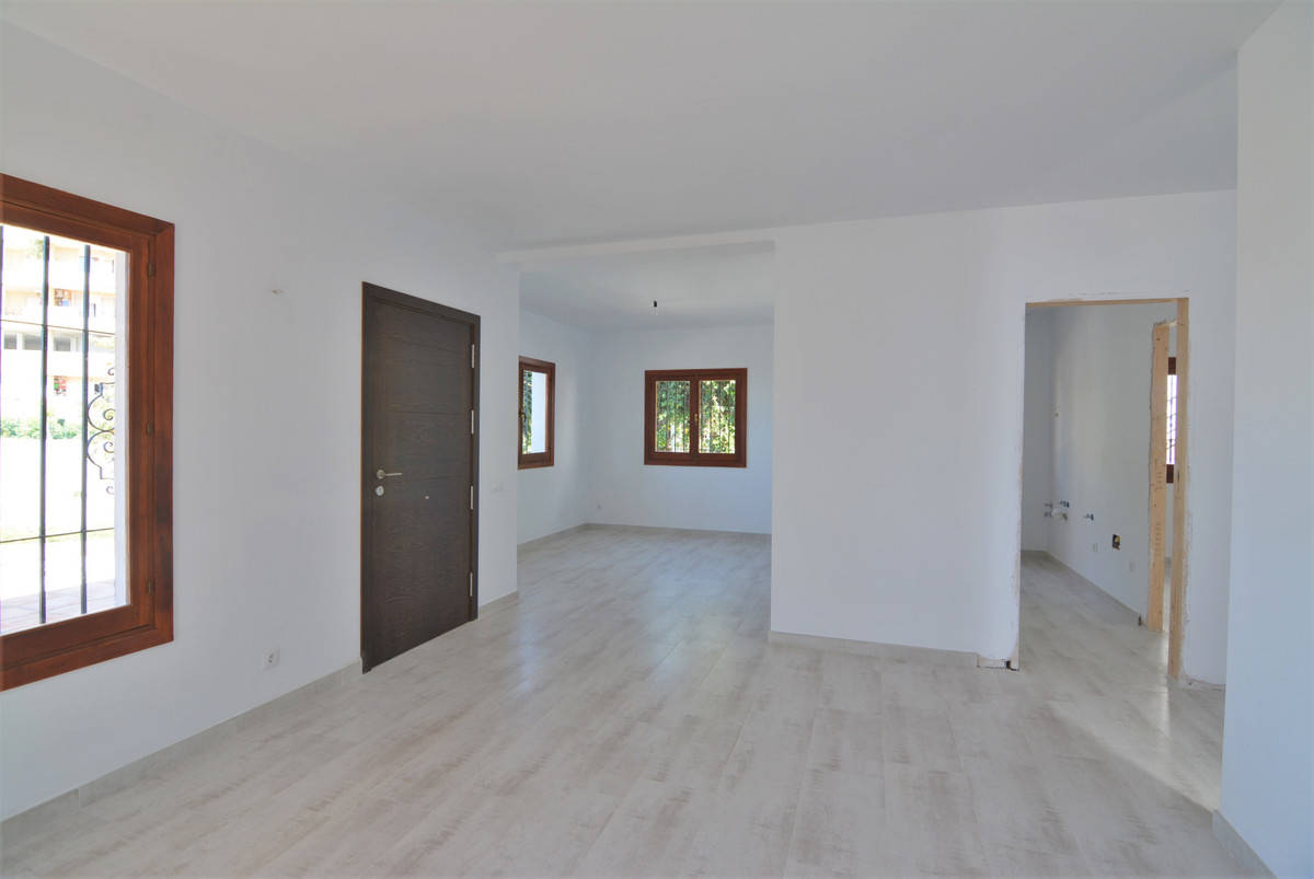 Villa Detached Fuengirola Málaga Costa del Sol R3424471 7