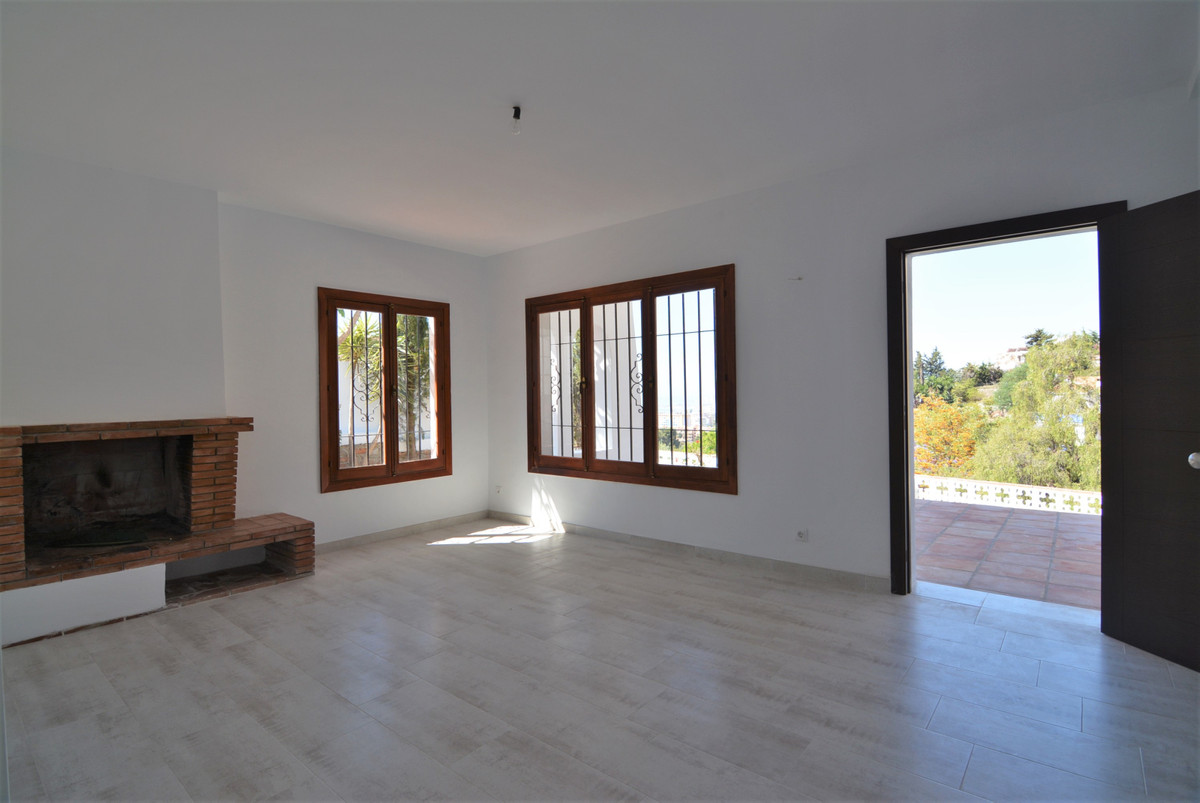 Villa Detached Fuengirola Málaga Costa del Sol R3424471 9